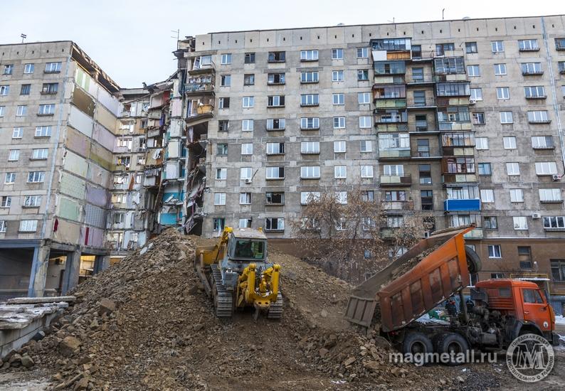 Демонтаж седьмого и восьмого подъездов начался на месте частичного обрушения дома №164 по проспек