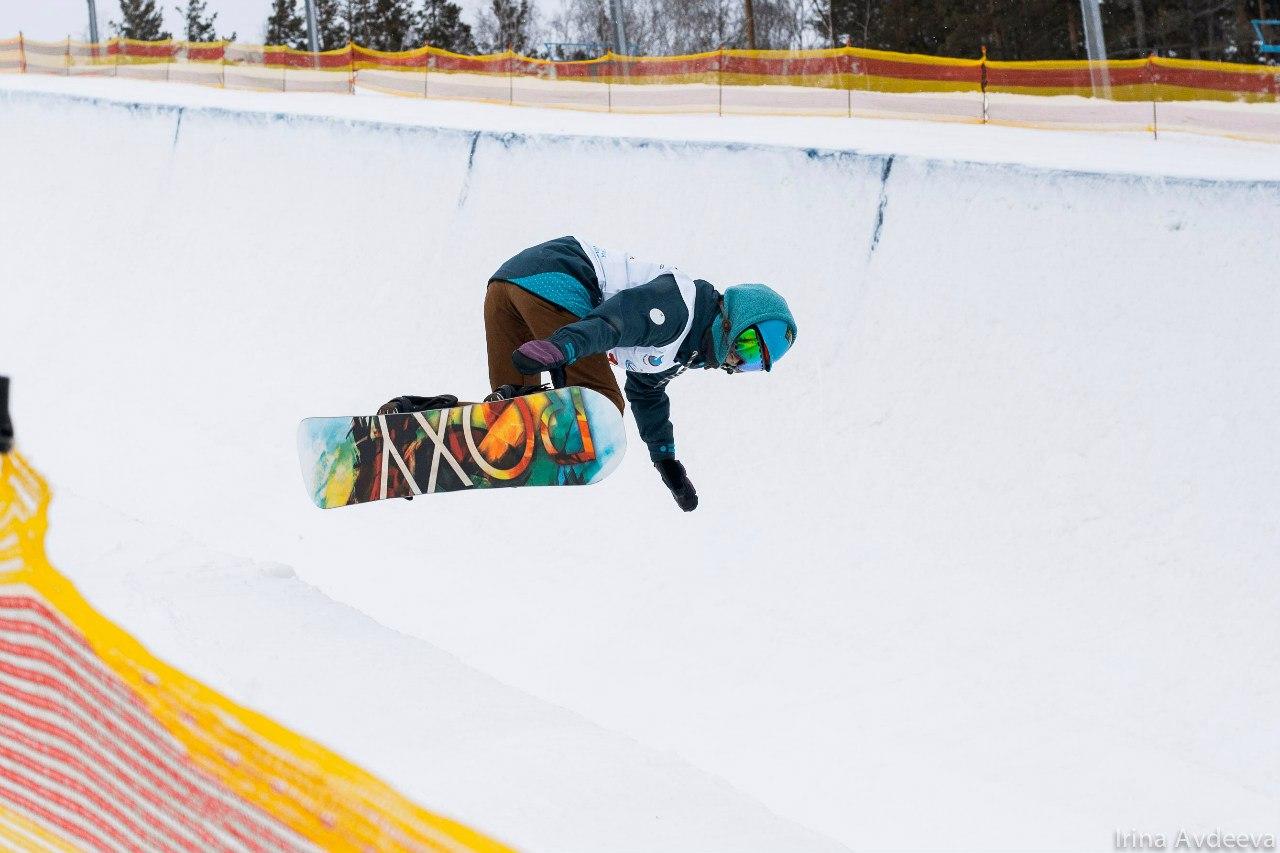 Как сообщили агентству «Урал-пресс-информ» в пресс-службе ГЛК, столичные сноубордисты стали недос