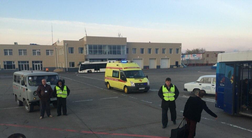 Как сообщил очевидец в группе «Типичный Челябинск», изначально борт хотели посадить в ближайшем а