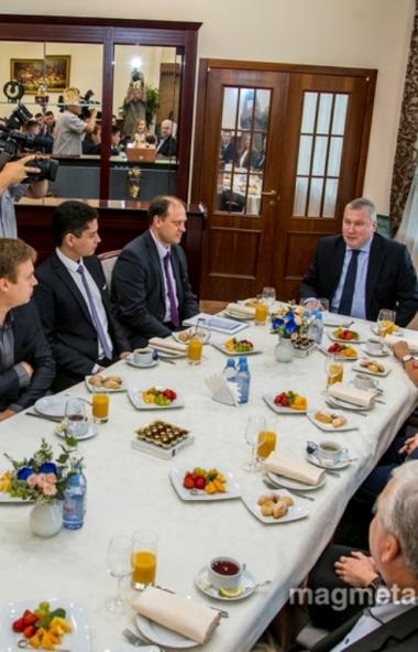Генеральный директор ПАО «ММК» Павел Шиляев встретился с лучшими рационализаторами и изобретателя