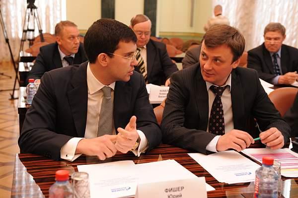 На состоявшемся в Челябинске первого июня 2009 года окружном совещании по вопросам развития сотру
