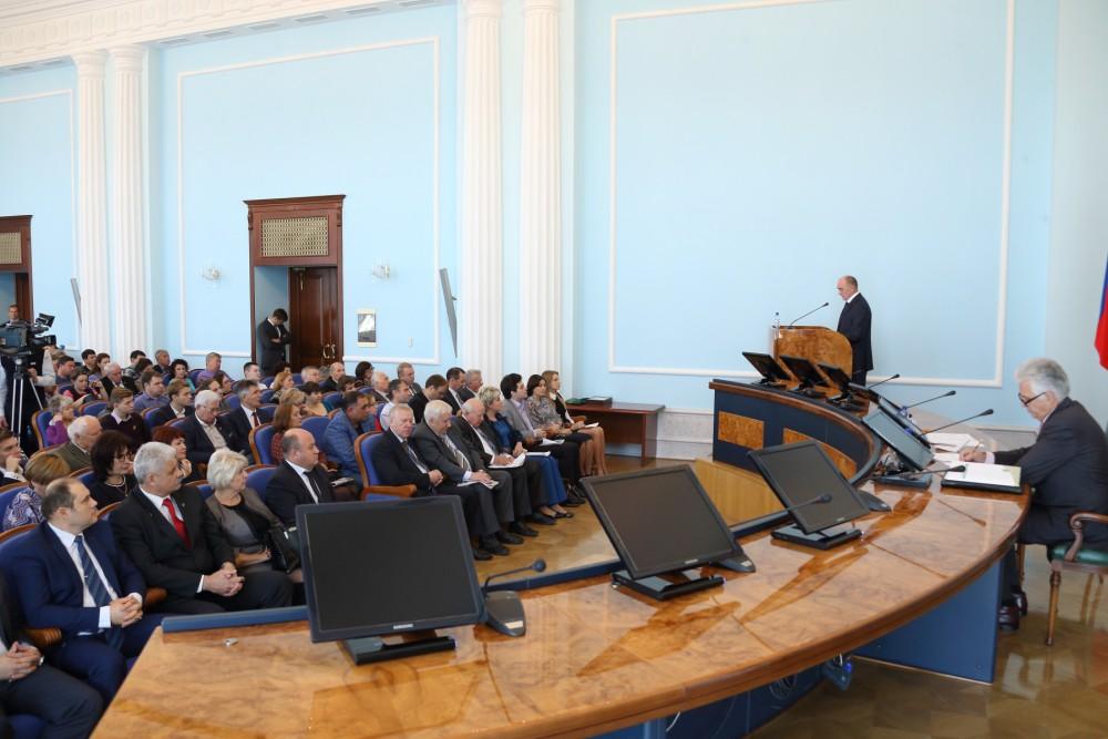 В заседании приняли участие более 130 человек из городов и районов Челябинской области: представи