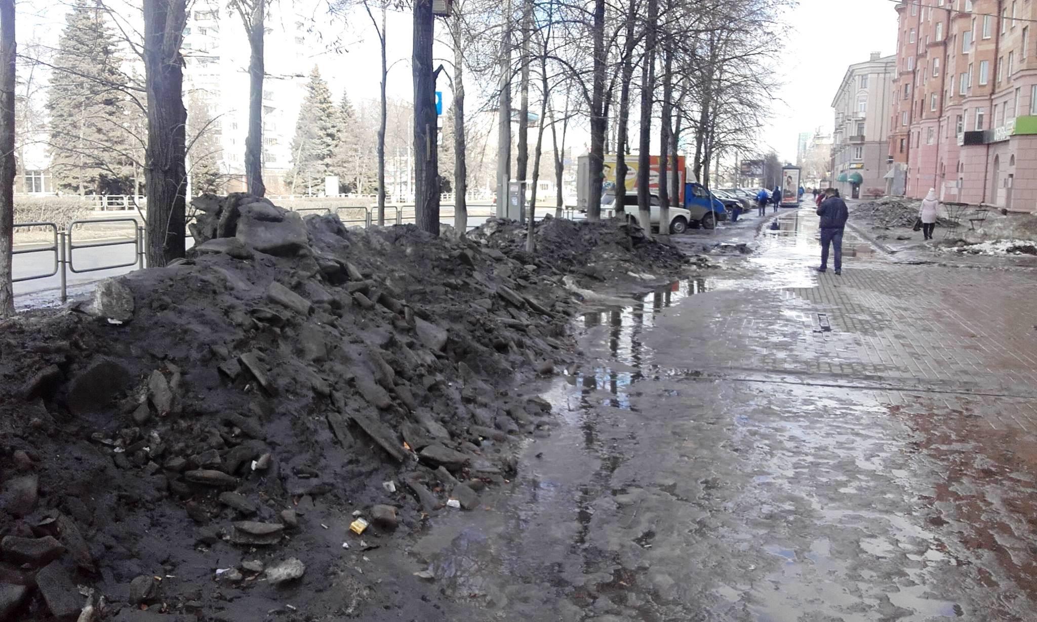 Евгений Тефтелев в понедельник, 10 апреля, на аппаратном совещании в мэрии обратил внимание подчи
