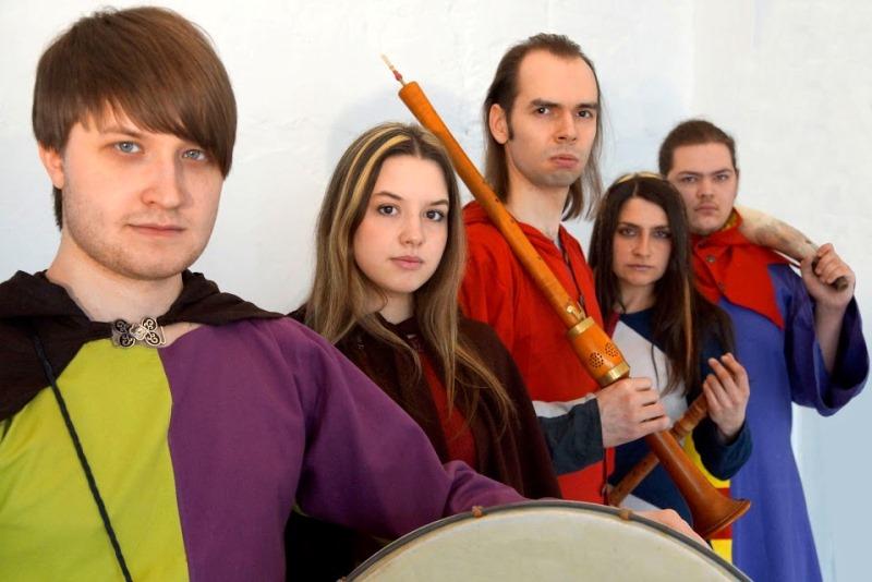 Музыканты, очарованные Средними веками, вдыхают новую жизнь в музыку карнавальных