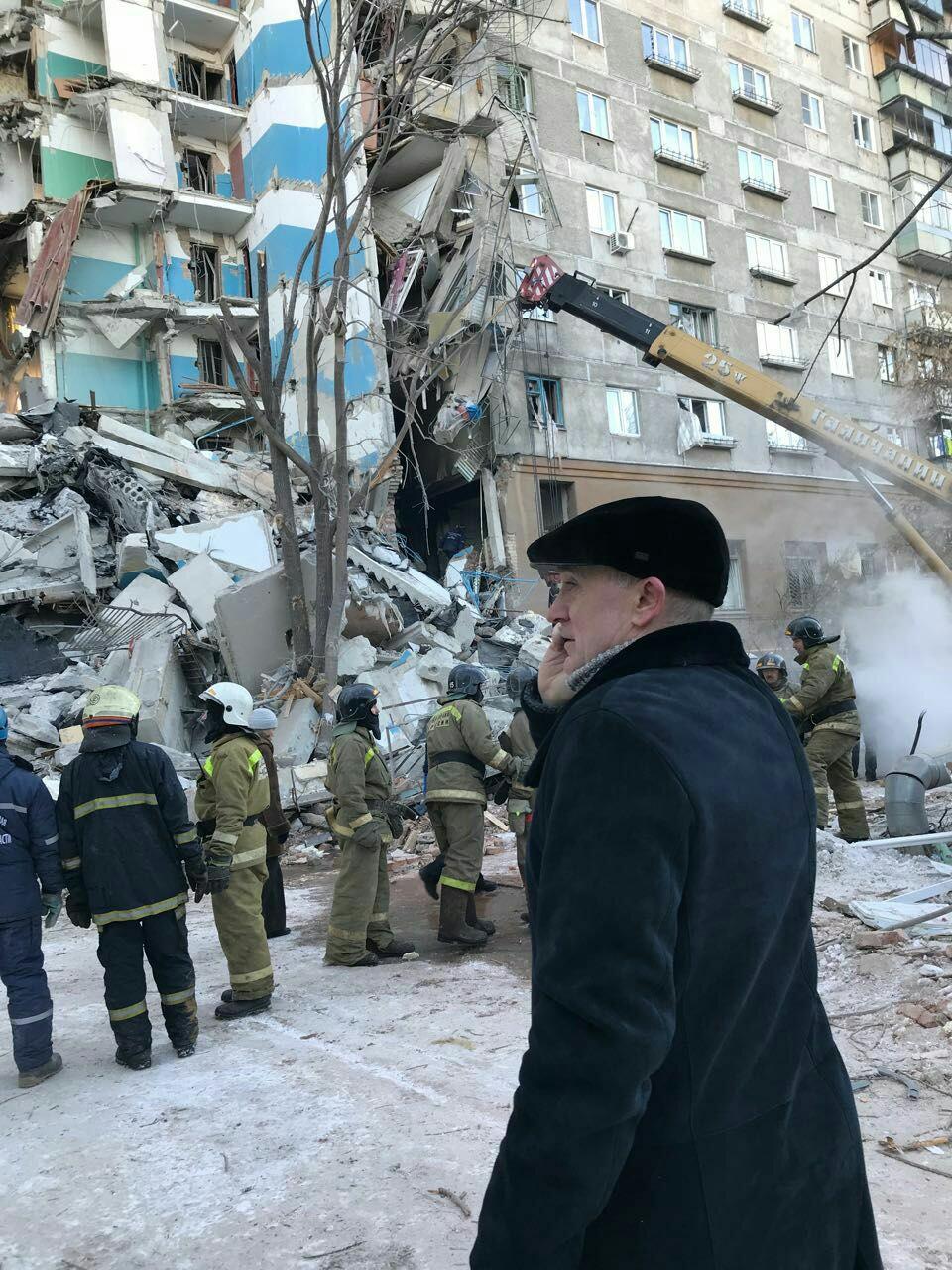 Уцелевшие после взрыва бытового газа квартиры в десятиэтажном доме Магнитогорска (Челябинская обл