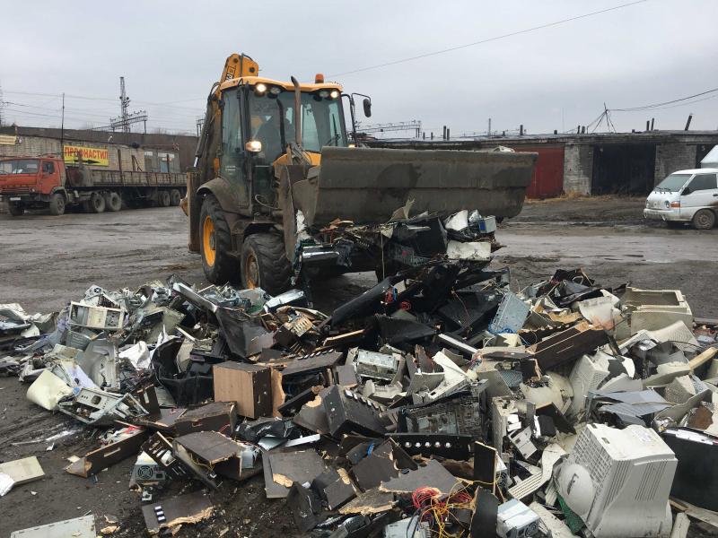 В Челябинске сегодня, 20-го апреля, на территории промышленной площадки согласно постановлениям с