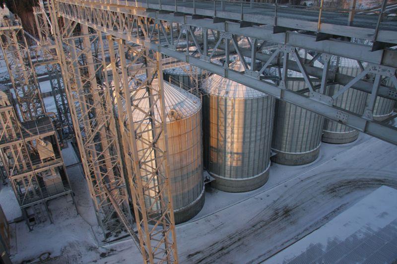 Мощный комбикормовый завод на 450 тонн ежесуточного производства кормов и технологичный убойно-пе