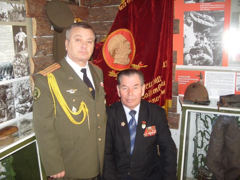 Александр Леонидович Шаламов родился 24 марта 1925 года в деревне Корчажка Мишкинского района Чел