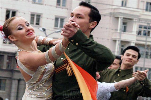 В Челябинской области накануне Дня Победы губернатор Борис Дубровский встретится