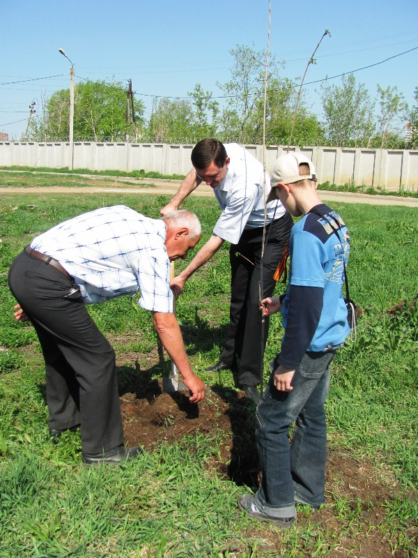 Закладка «Рощи Победы» состоялась по инициативе депутатов Челябинской городской Думы Натальи Баск