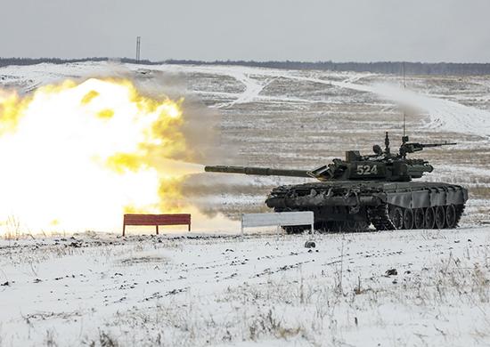 Около десяти тысяч военнослужащих воинских частей Центрального военного округа, которые дислоциру