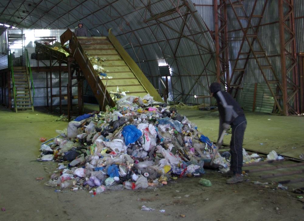Через полторы недели мусор, «обитающий» на челябинской свалке, сменит место жительства. С первого