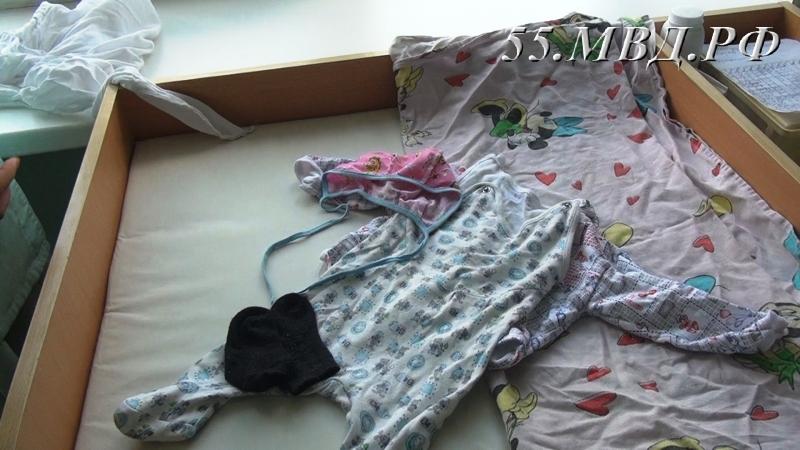Как сообщает ГУ МВД по Омской области, грудная малышка была найдена 3 августа в Па