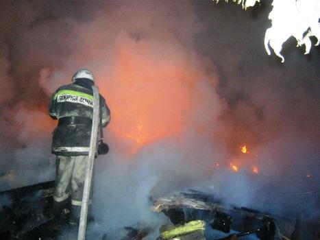 Сообщение о пожаре поступило 28 сентября в 4.43. Ровно через минуту к месту вызова выехал дежурны