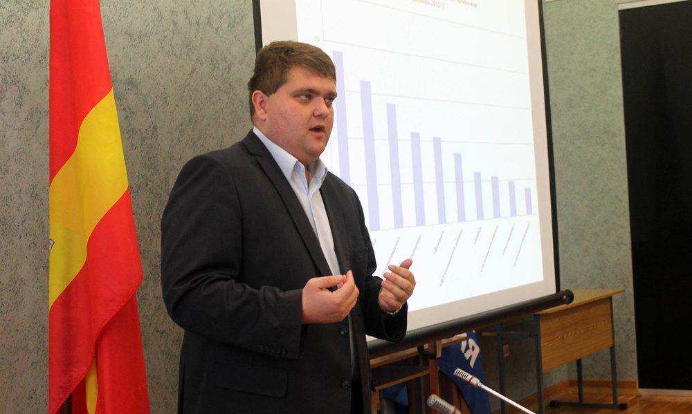По словам Вершинина, в 409 населенных пунктах области – а это около 70 тысяч жителей - частично о
