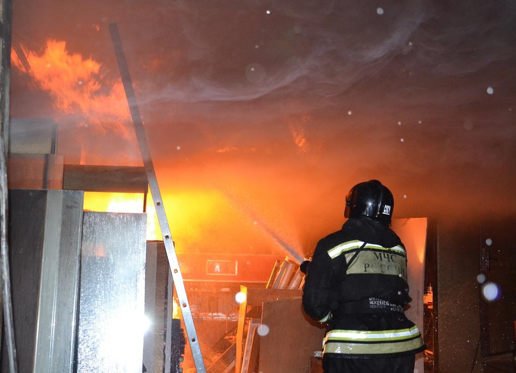 Сообщение о возгорании поступило в МЧС России по Челябинской области сегодня, 16 августа, в 7.46