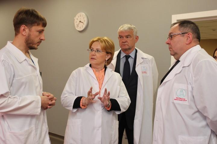 Напомним, сегодня глава Минздрава посетила с рабочим визитом областной перинатальный центр в Челя