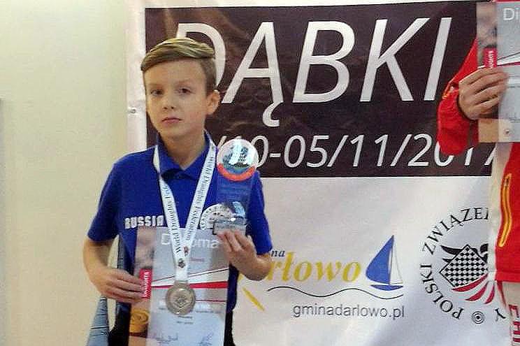 Программа Чемпионата состояла из двух турниров: с классическим контролем времени и блиц. –