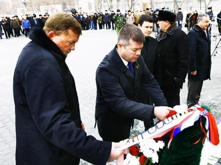 «Традиция собираться в это памятный день была заложена много лет назад, - отметил Глава города Че