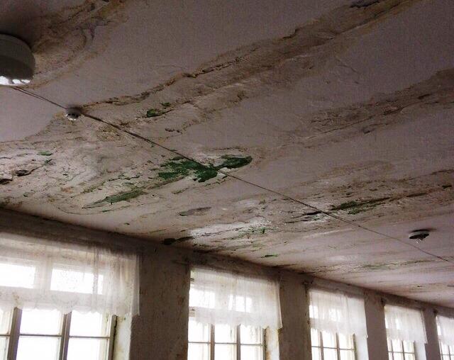 Учеба во второй школе Аши (Челябинская область) опасна для здоровья. Это подтвердила проверка Рос