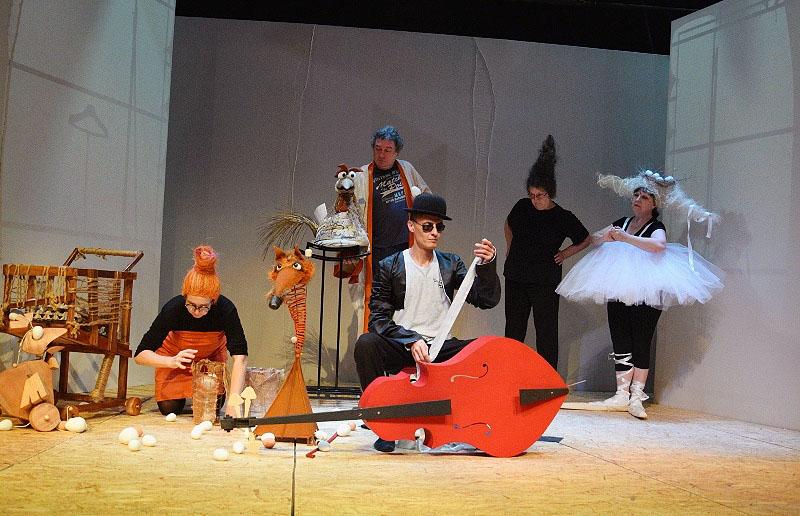 Челябинский театр кукол имени Валерия Вольховского свой 84-ый сезон открыл премьерой спектакля «