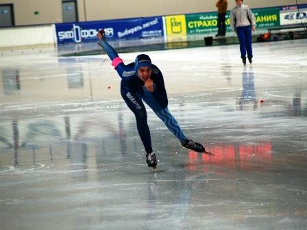 Как сообщила агентству «Урал-пресс-информ» Анастасия Назарова (СДЮСШОР по конькобежному спорту),