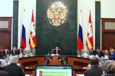 Глава государства в ходе видео-конференцсвязи 22 апреля 2015 года поручил региональным властям ре
