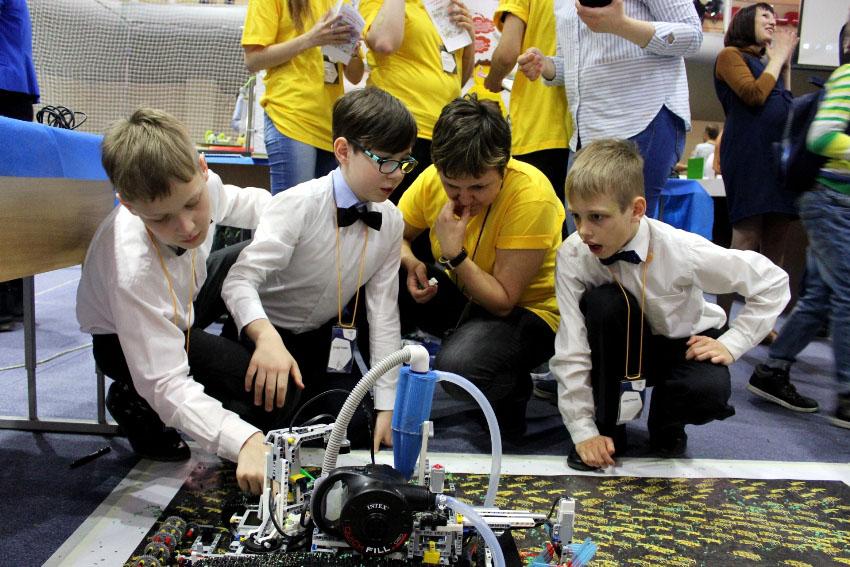 В Челябинской области завершился региональный этап Всероссийской олимпиады роботов. В этом году р