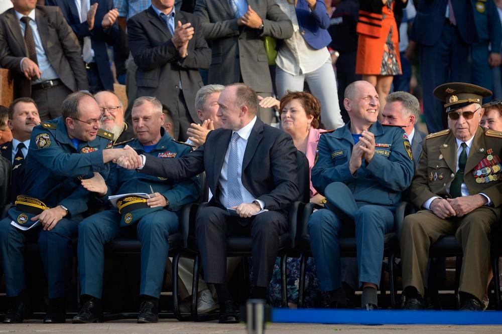 Участников на торжественной церемонии открытия поприветствовали губернатор Челябинской области Бо