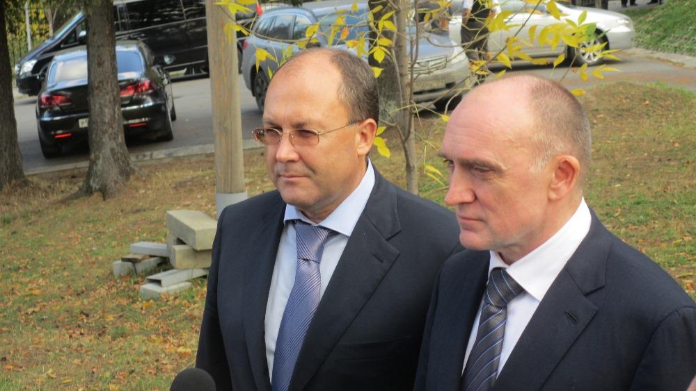 Свои подписи на документе поставили губернатор Челябинской области Борис Дубровский и глава Росту