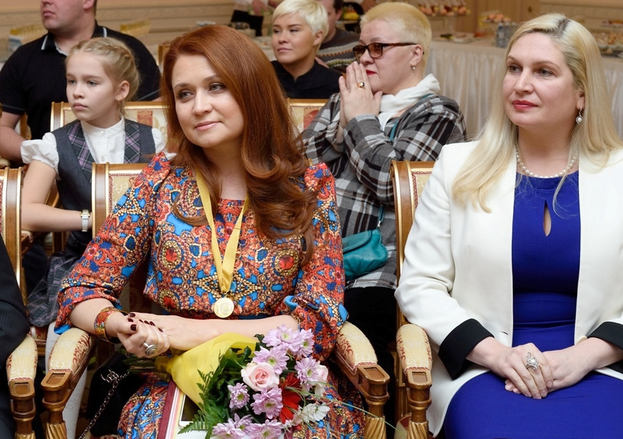 «Эта награда - особая, - сказала в ответном слове Лена Колесникова. – Все награжденные этой медал