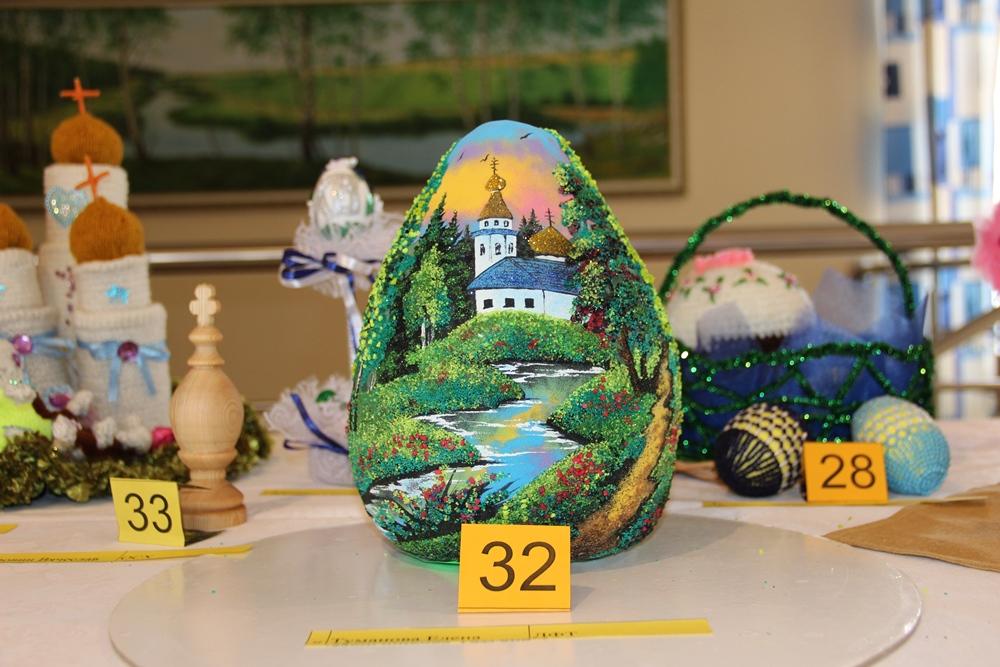 Профком агрохолдинга «Равис» впервые провел конкурс на лучшее оформление пасхального яйца.