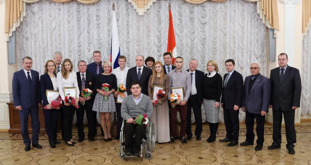Как сообщает пресс-служба минспорта региона, в числе награжденных оказались Анна Сапожникова,Але