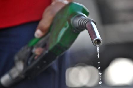 Как сообщили агентству «Урал-пресс-информ» в ведомстве, за прошедшую неделю цена одного литра бен