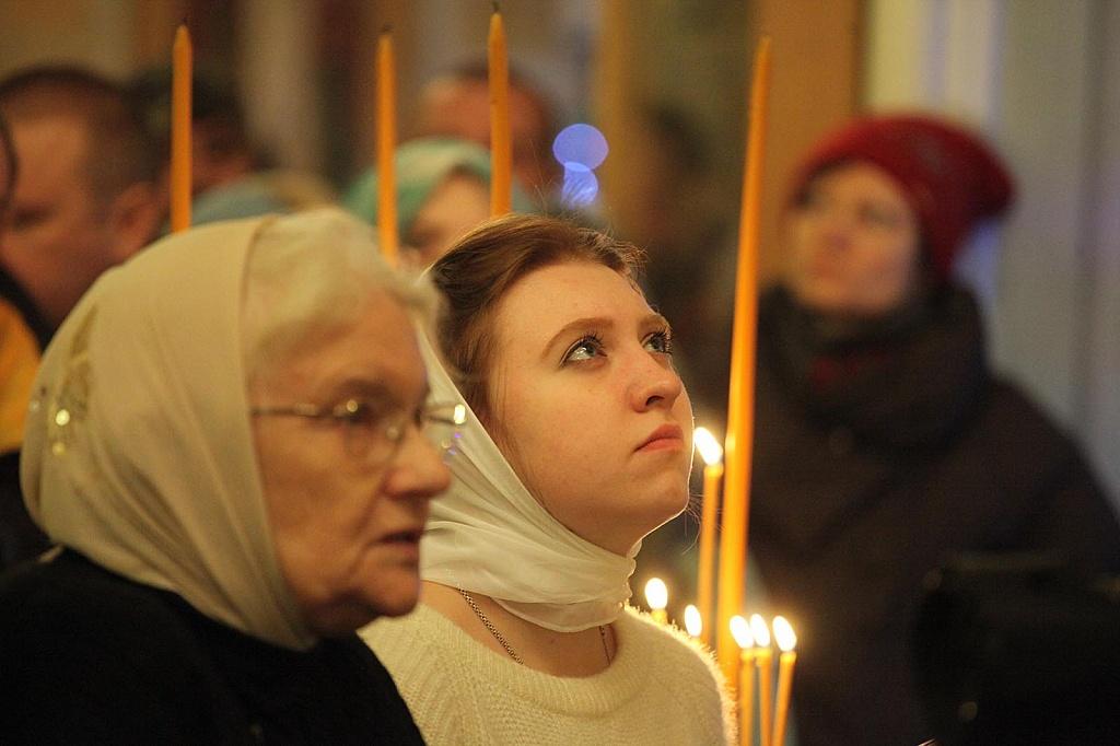 Святки начались 7 января и продлятся до 19 января - праздника Крещения Господня. Вторым Туронским