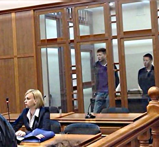 На сегодняшнем судебном заседании присутствовали сами обвиняемые и их адвокаты, ст