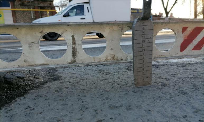 Прокуратура Челябинска совместно с ГИБДД проверила качество дорог в областном центре. Оно не соот