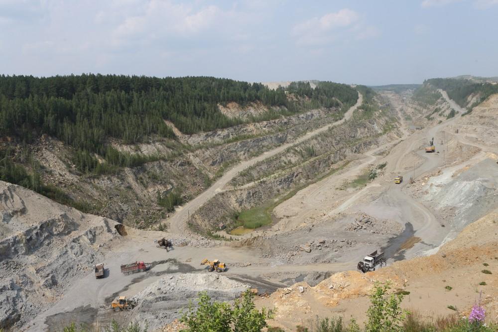 «У нас имеются большие техногенные залежи – около семи миллионов тонн качественного песка, которы