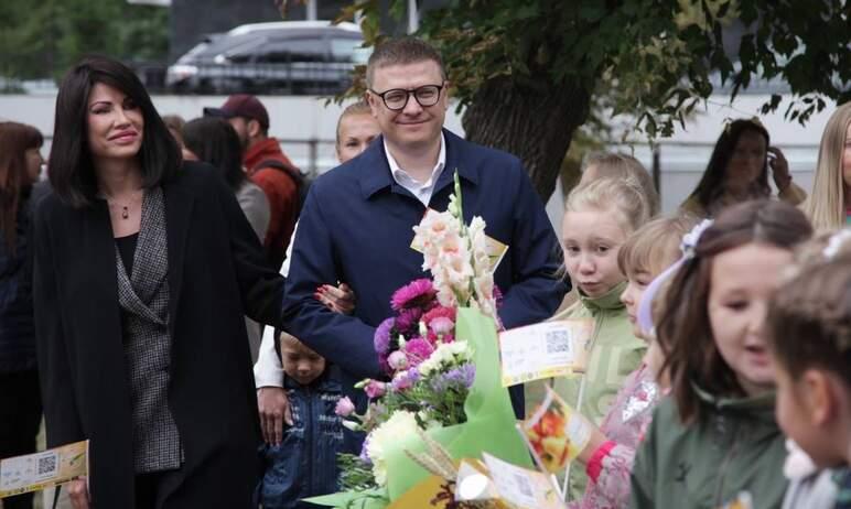 Губернатор Челябинской области Алексей Текслер в День знаний, первого сентября,