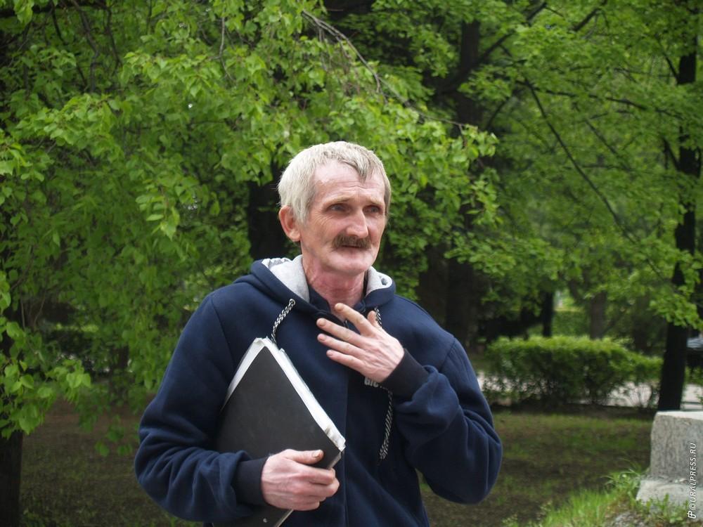 Многодетному приемному отцу из Октябрьского района Челябинской области Игорю Мотыгину не продлили