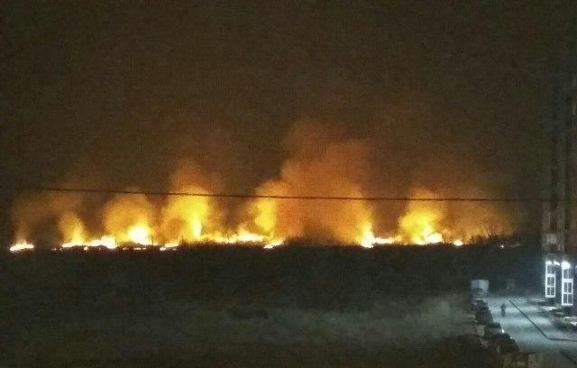 Пожар, вчера, 16-го апреля, вечером сильно напугавший жителей челябинского загородного квартала Б