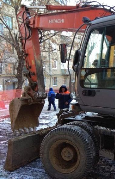 Специалисты компании «Челябинскгоргаз» проводят аварийно-восстановительные работы на наружном газ