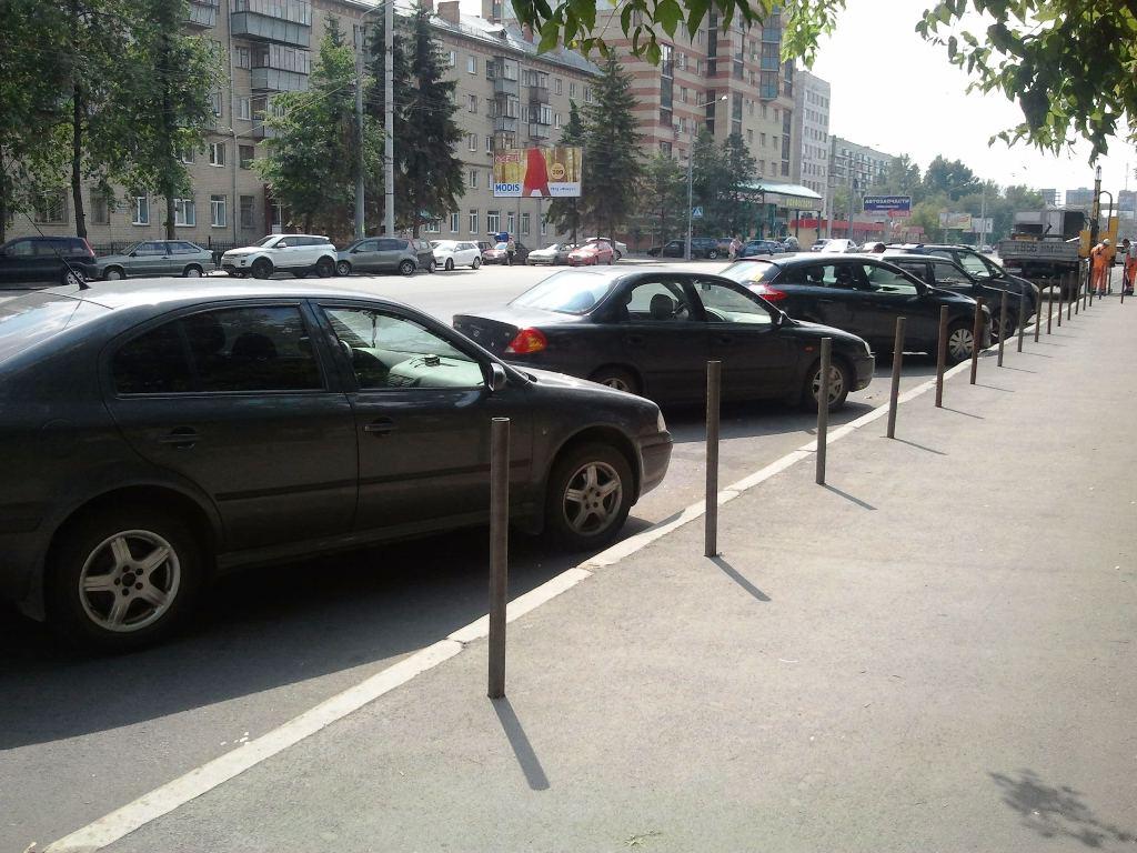 По словам чиновника, сейчас в Челябинске очень сложно припарковать машину в центре города и назре