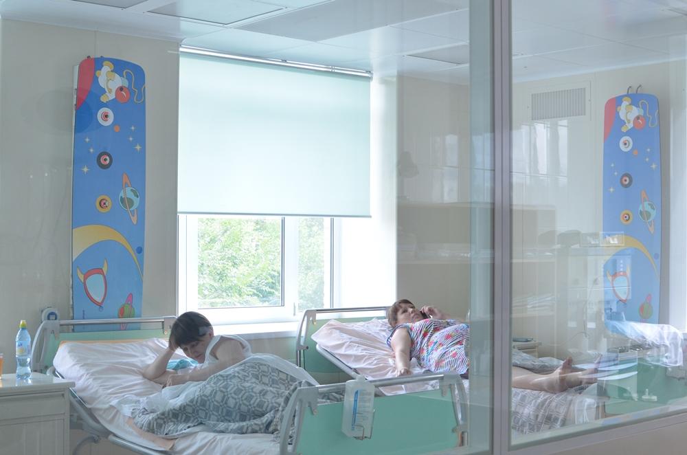 Всех молодых мам поздравит сити-менеджер Сергей Давыдов, а новорожденные получат свои первые пода
