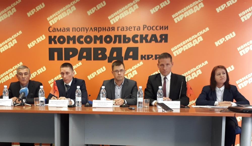 В пресс-конференции приняли участие представители медицины, правоохранительных органов и министер