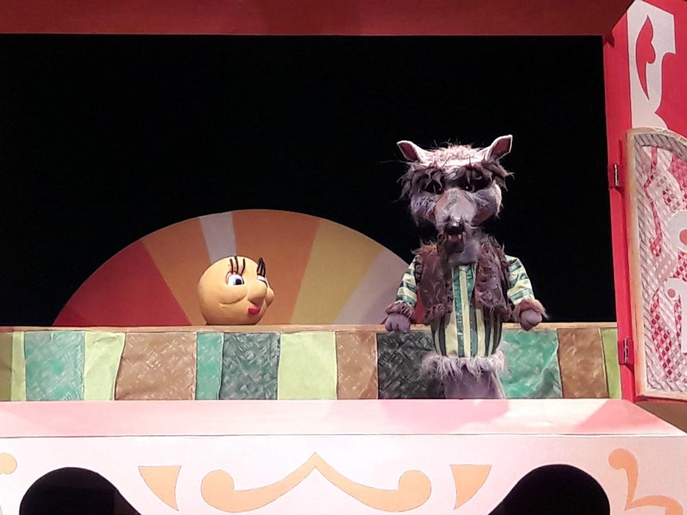 Оба спектакля поставлены на грант, выделенный муниципальному театру по проекту правительства Ро