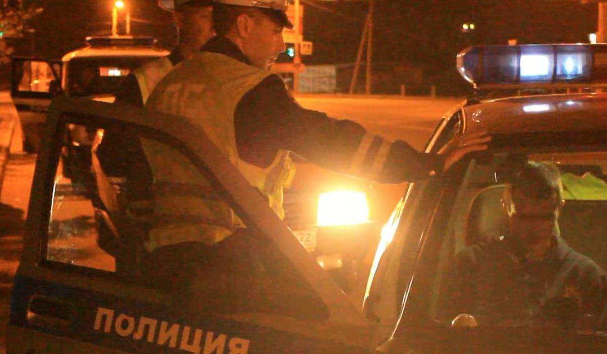 В Челябинске совершен вооруженный налет на автозаправку. Два человека из криминального квартета з