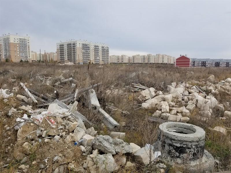 В Челябинске строительный мусор складируют на берегу Шершней. Факт массового захоронения отходов