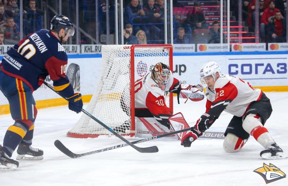 Магнитогорский «Металлург» в очередном матче в КХЛ был близок к тому, чтобы в четвертый раз в сез