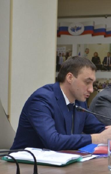 Уполномоченным по правам человека в Челябинской области назначен 31-летний Антон Шарпилов.